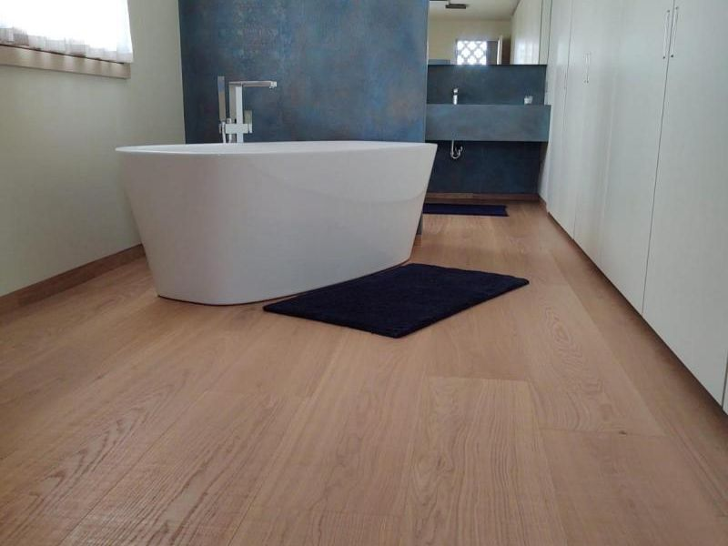 bagno-pavimento-in-legno